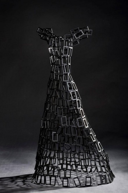 The Black Comet, 2010, thermo lacquered steel, H - 86 cm.P.C. - LONDON / ENGLAND - WOODNS