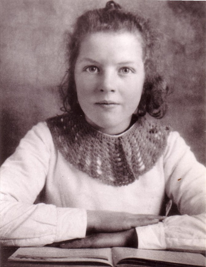 A sweet youthful image of his wife, Carla Peverelli - WOODNS