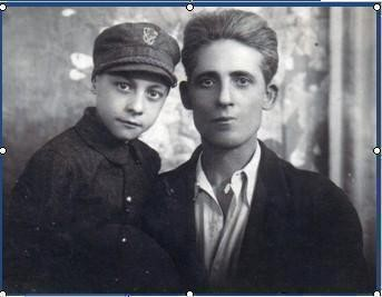 Umbertino and his father, in a photo from 1942. - WOODNS